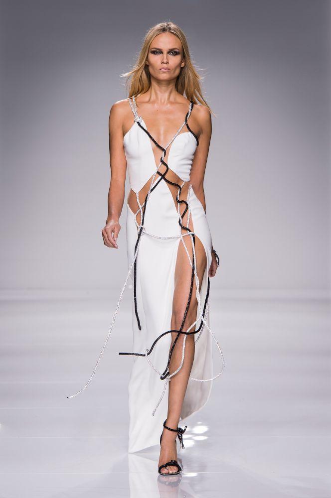 resized_Atelier Versace SS16_Look 45