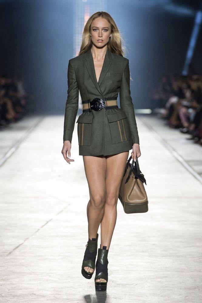 resized_Versace Women_SS16_Look 1