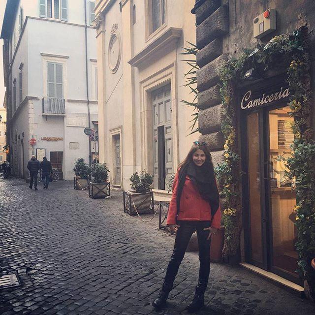 نانسي عجرم تستجم في روما