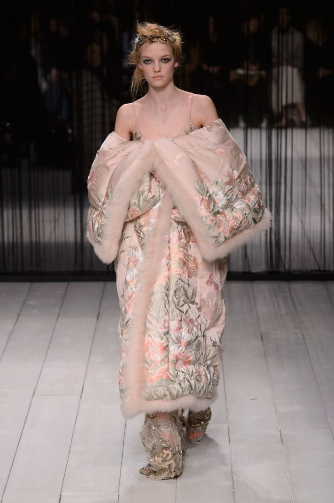 Alexander-McQueen-AutumnWinter-2016 (39)