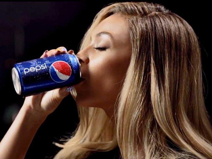 Diet soda and women