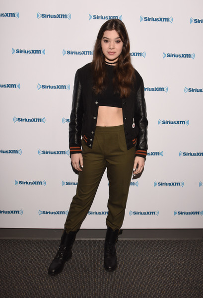 Hailee+Steinfeld+Boots+Combat+Boots+lezbRdr4rngl