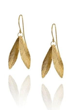 catherine-zoraida-double-leaf-earrings-profile