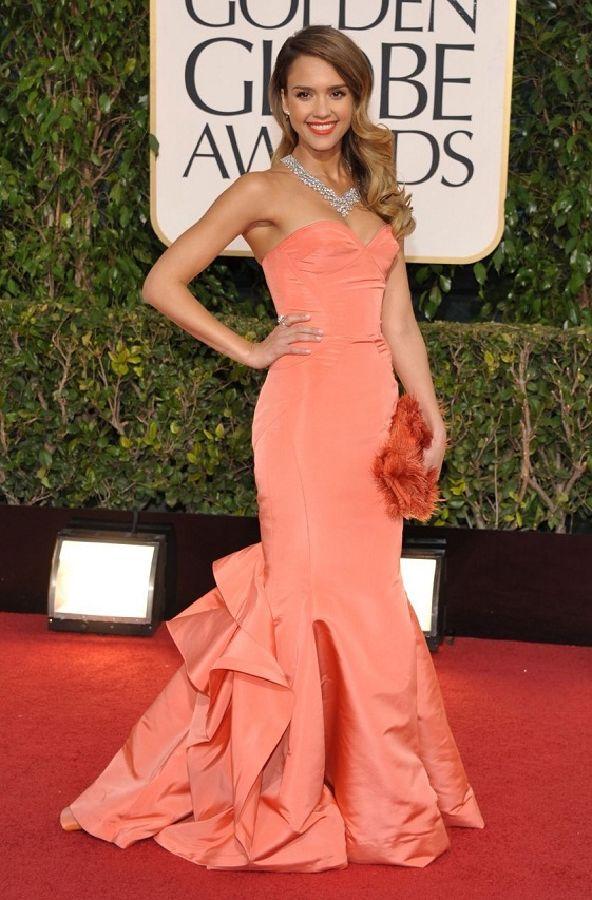 resized_Jessica Alba in Oscar de la Renta 2013