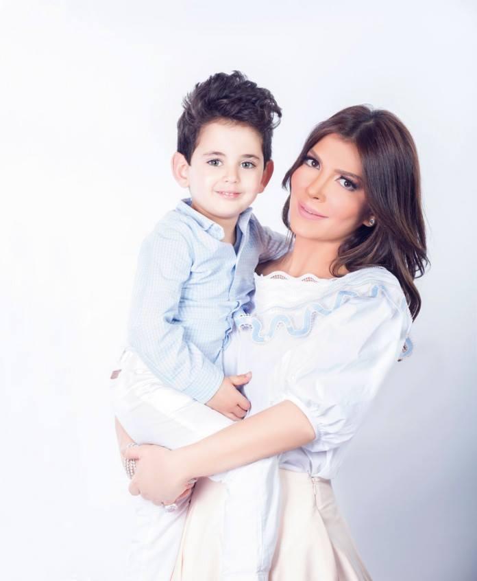 اصالة برفقة طفليها (3)