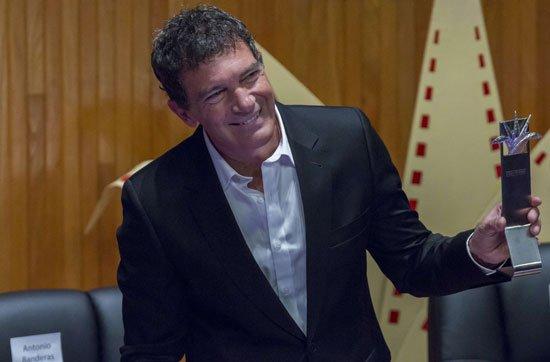 انطونيو بانديراس  (4)