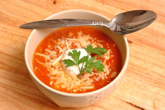 حساء الطماطم بالجبن