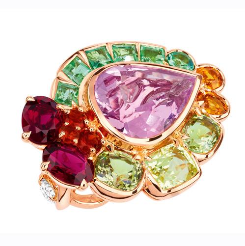 خاتم بالذهب الوردي والأحجار الملونة