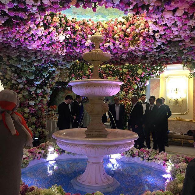 ملياردير روسي يكلف حفل زفاف ابنه مليار دولار (9)