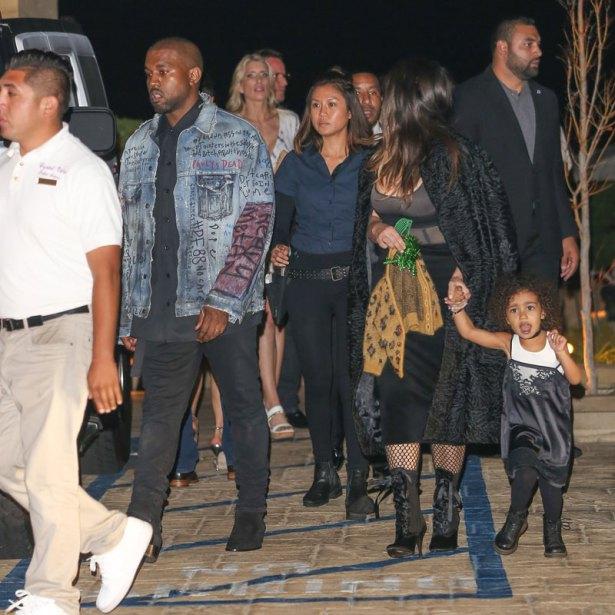 khloe-kardashian-not-allowed-rob-kardashian-family-birthday-dinner-6