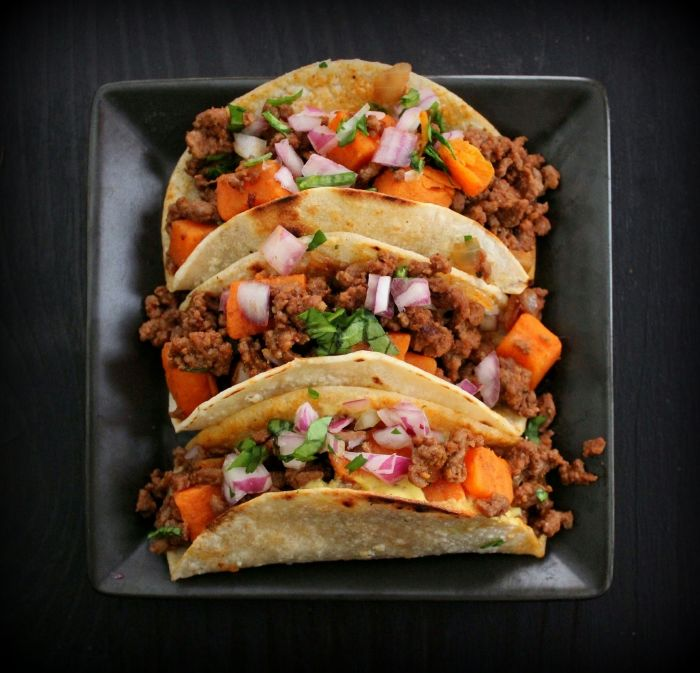 resized_7367-the-modus-operandi-of-tacos-with-meat