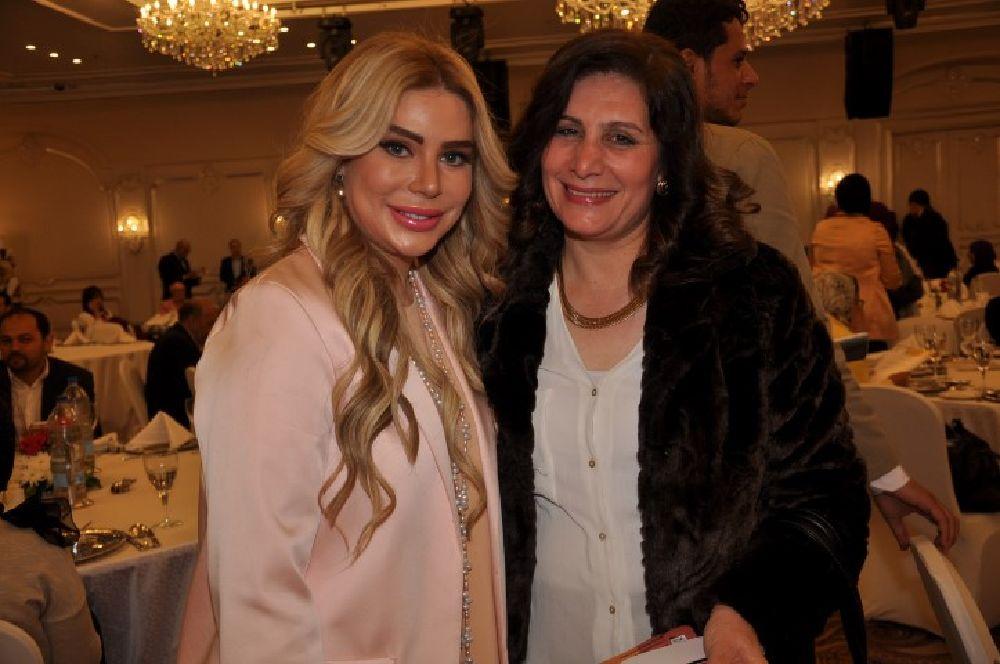 الكاتبة العراقية سارة طالب السهيلى