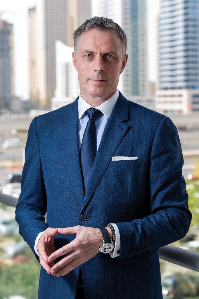 resized_Laurent A. Voivenel-CEO HMH