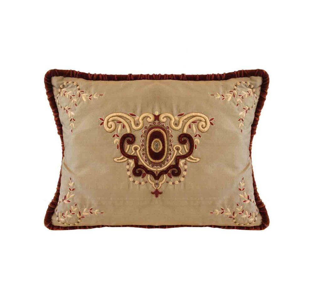 resized_cushion-price-850-aed-1