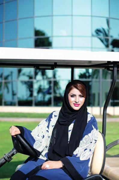 القيادية الإماراتية الشابة لمياء عبد العزيز خان