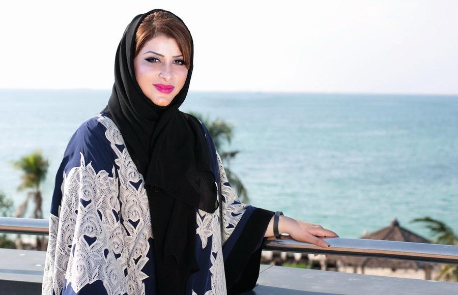 القيادية الإماراتية الشابة لمياء عبد العزيز خان0