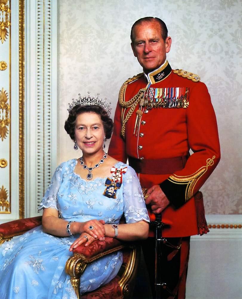 الملكة مع زوجها الأمير فيليب (4)