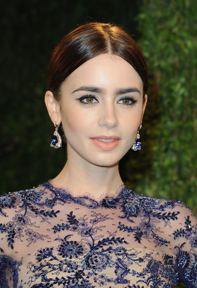 2013 Vanity Fair Oscar Party - Lily Collins - Takat Jewelry