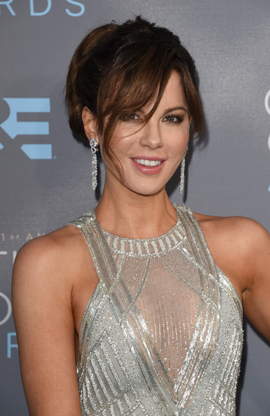 21st Annual Critics Choice Awards Arrivals - Kate Beckinsale - Butani Jewelry
