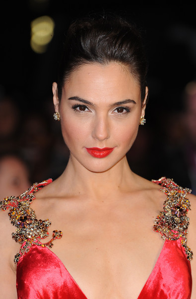 Gal+Gadot+Earring+Studs+Diamond+Studs+utiffany & co.