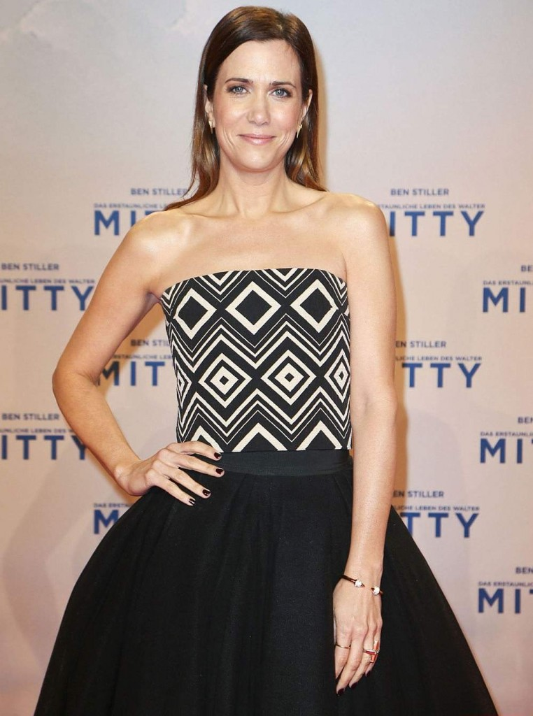 Halleh Earrings - Vita Fede Bracelet - Jennifer Fisher Rings - 2013 Kristen Wiig Jewelry