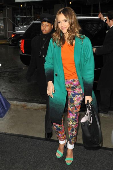 Jessica+Alba+wears+bright+green+coat+orange+EWDt9q1_d5Sl