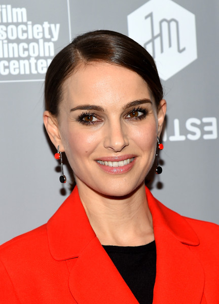 Natalie Portman - Dangle Earrings from Christian Dior