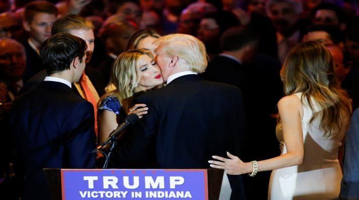 دونالد وإيفانكا ترامب