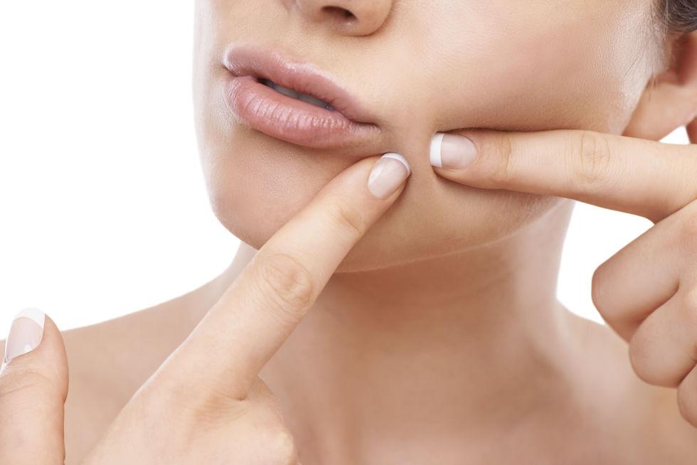 عادات غير متوقعة تتسبب في الإضرار ببشرتك  (2)