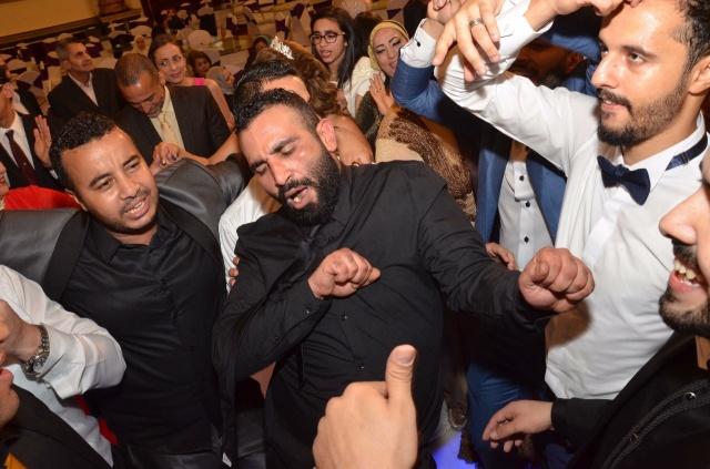 عمرو و احمد سعد يحتفلان بزفاف شقيقتهما (1)