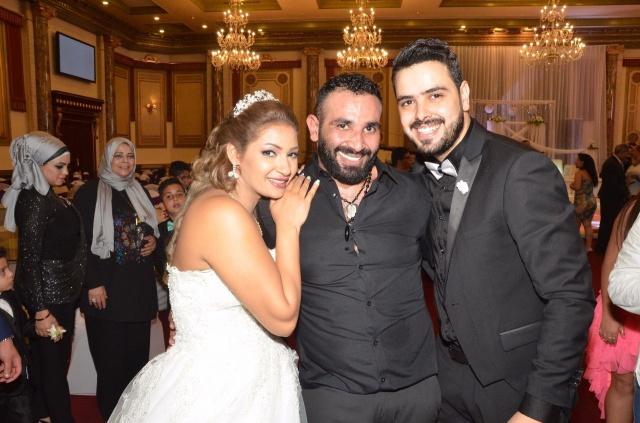 عمرو و احمد سعد يحتفلان بزفاف شقيقتهما (6)