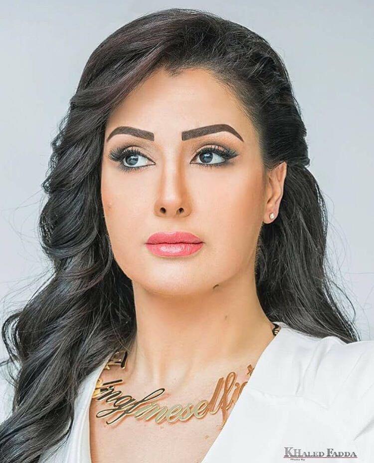 غادة عبد الرازق (2)