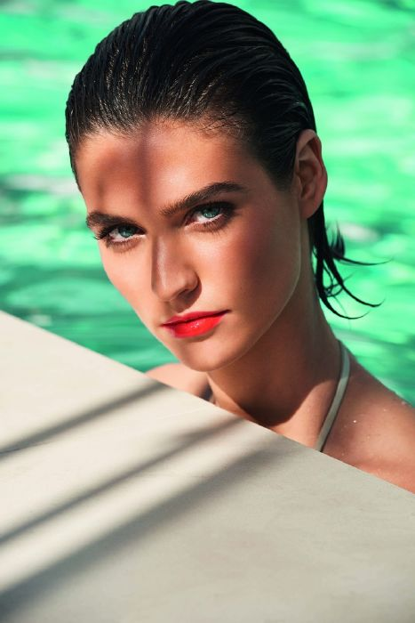 resized_Clarins_Summer 2016 Make-Up Collection_Model