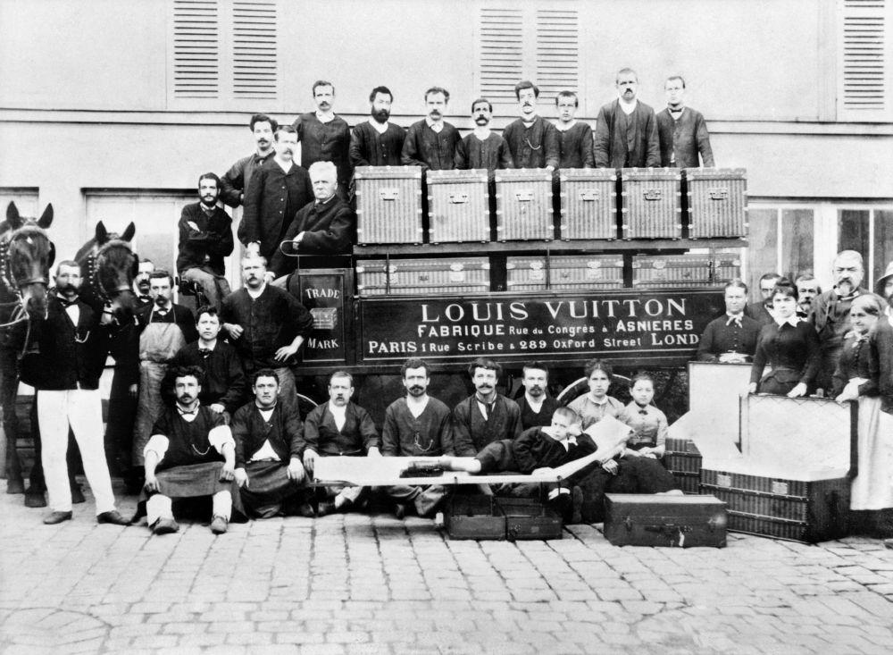 resized_Famille Vuitton_1888