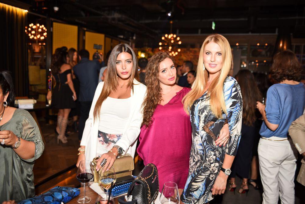resized_Jessica, Anastasia, Natalia