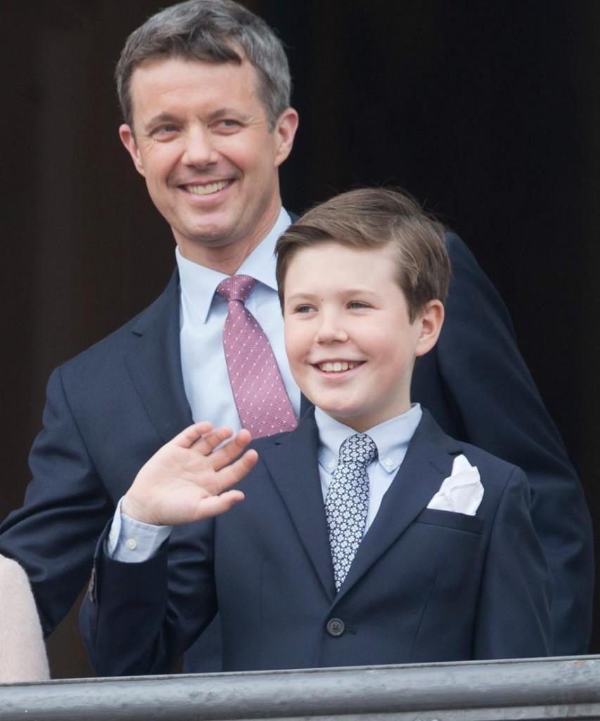 العائلة المالكة (2)