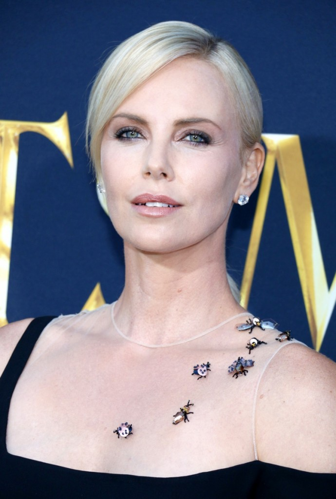 Charlize-Theron-Huntsman-Winters-War-2016-Harry-Winston-Jewelry