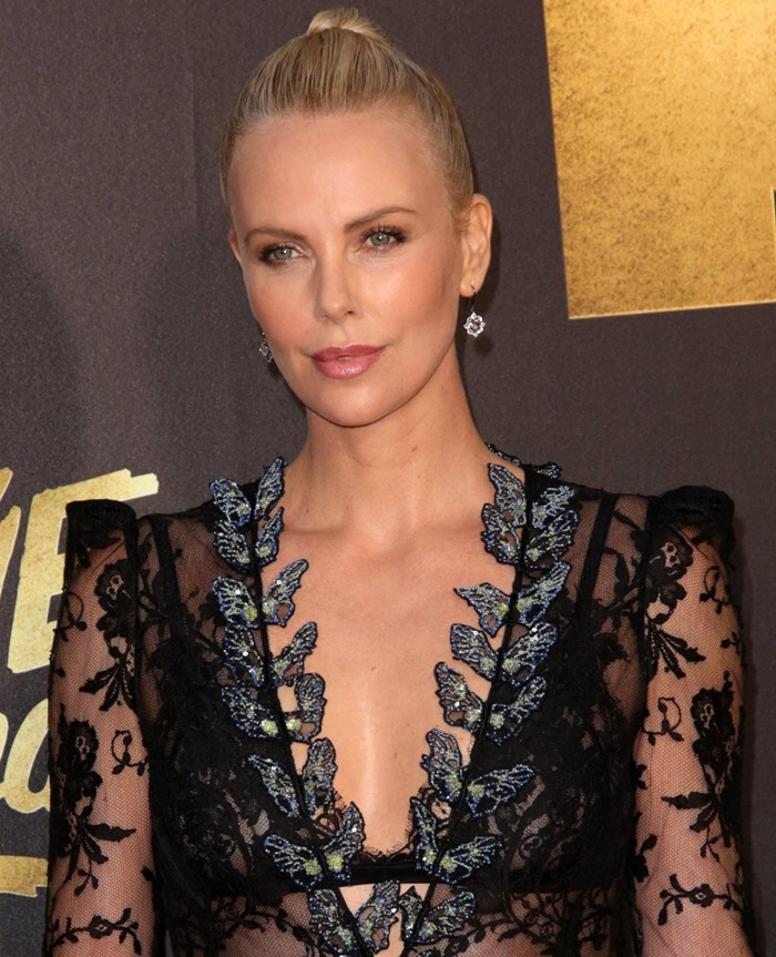 Charlize-Theron-Lace-Dress Solange Azagury-Partridge jewelry