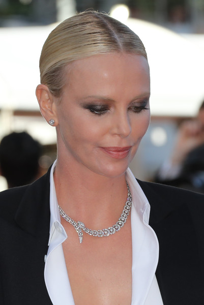 Charlize+Theron+Collar+Necklace+Diamond+Collar+cartier