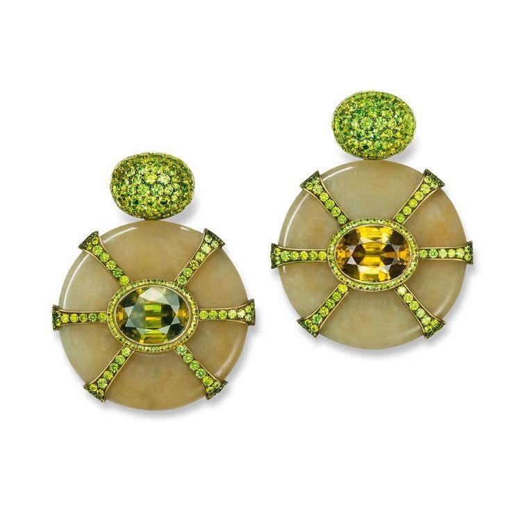 hemmerle_jade_disc_earrings_with_demantoides_sphenes_brass_and_gold