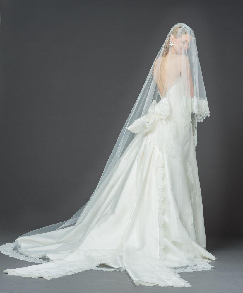 resized_Jacqueline with veil