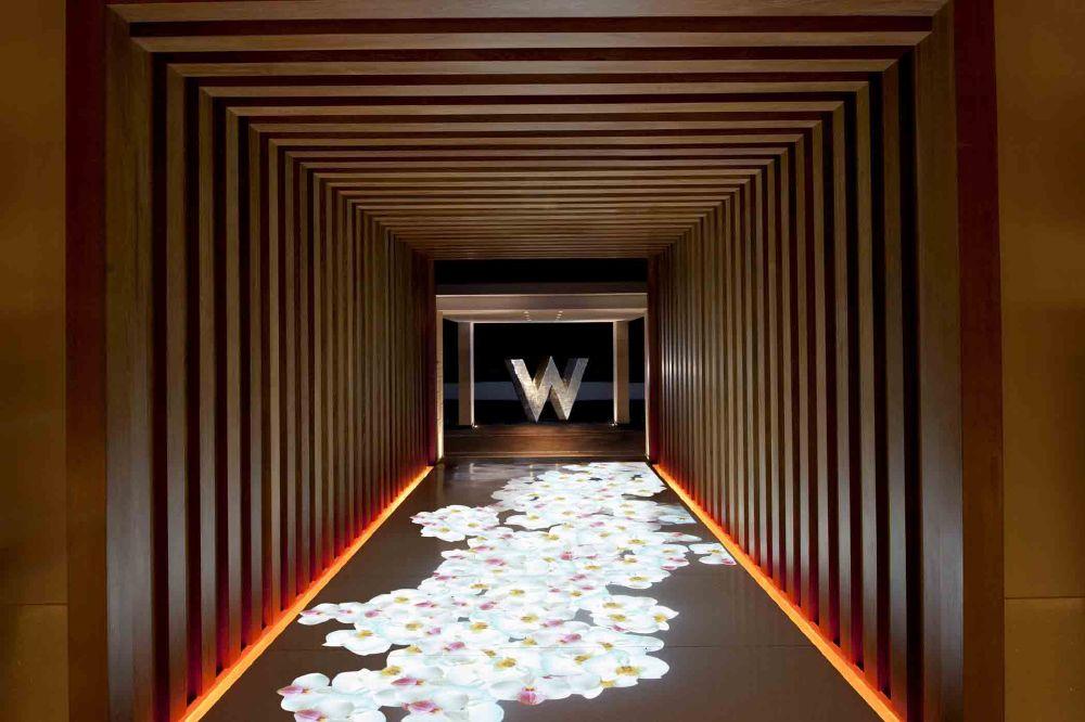resized_W Entrance