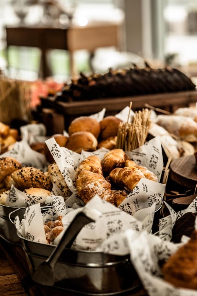 resized_bread roll