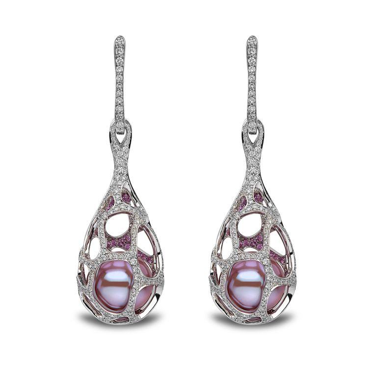 yoko_london_white_gold_diamond_sapphire_pearl_earrings