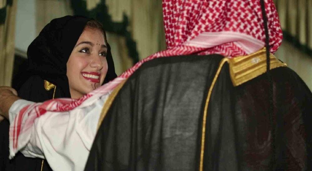 أمريكية تخوض تجربة الزواج على الطريقة البدوية (2)