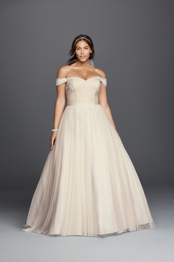 David-Bridal-Tulle-Beaded-Lace-Sweetheart-Gown-599