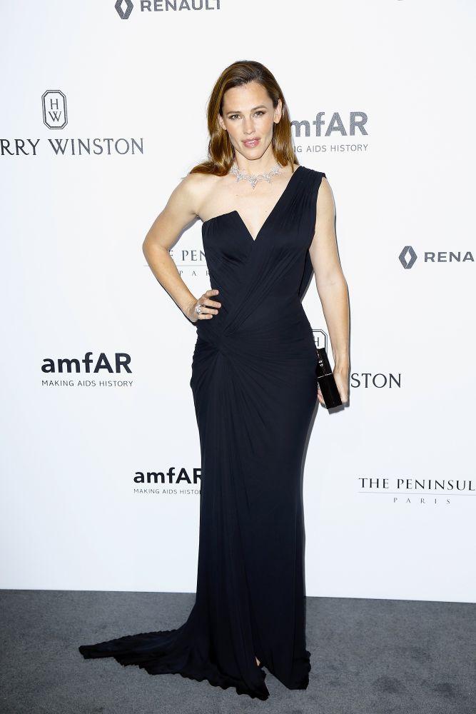 resized_Jennifer Garner in Atelier Versace