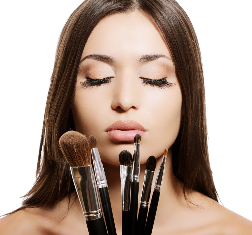 resized_how-to-clean-make-up-brushes-at-home