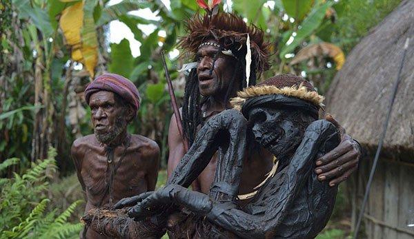 قبيلة إندونيسية (13)