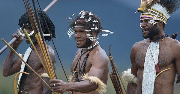 قبيلة إندونيسية (2)